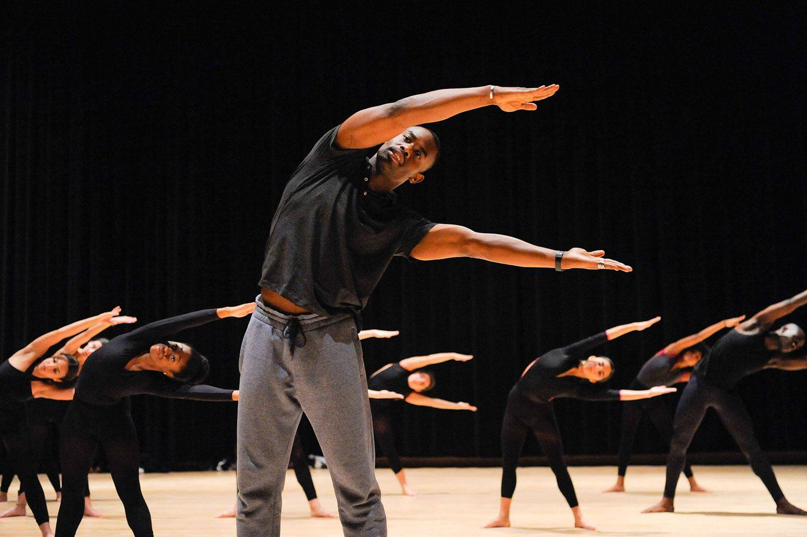 Jamar Roberts leads students in a master class, photo by EyeworksProduction.com